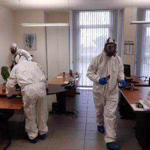 Operazioni di sanificazione uffici in vista della riapertura